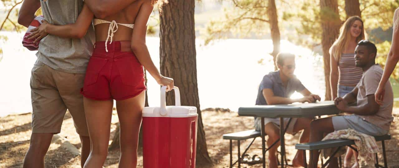 how to choose camping cooler